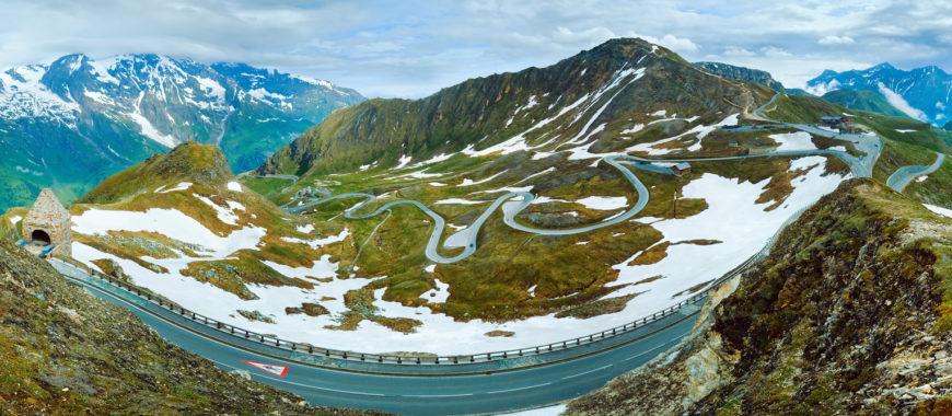Mit dem Motorrad auf Europas höchstgelegenen Straßen unterwegs