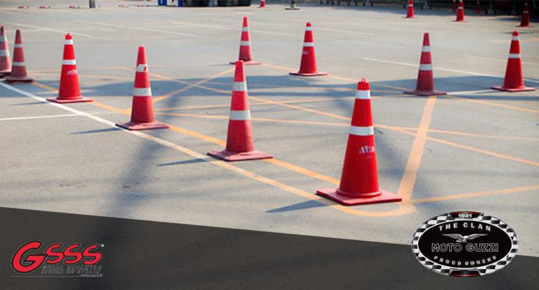Tecnica di guida: la frenata nella guida su strada