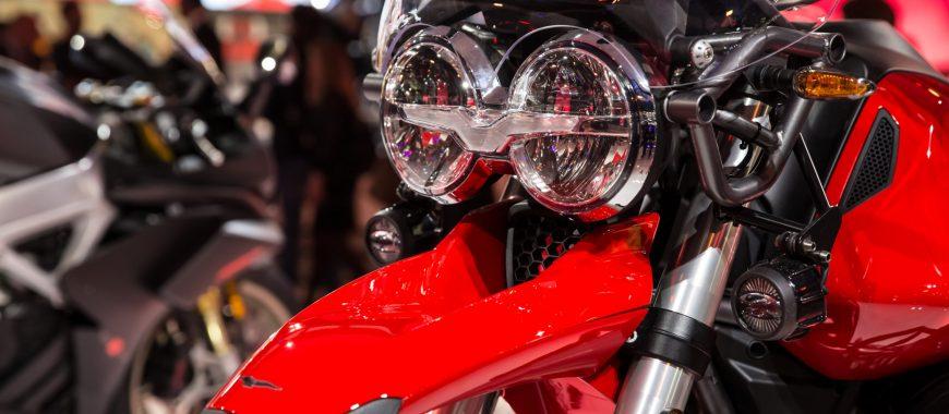 V85 TT et Moto Guzzi triomphent au salon EICMA 2018