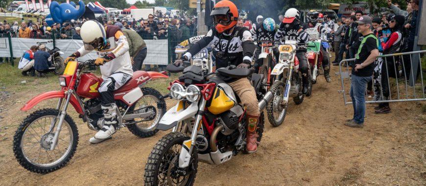 V85 TT e The Clan a Deus Swank Rally Wheels & Waves: IL VIDEO